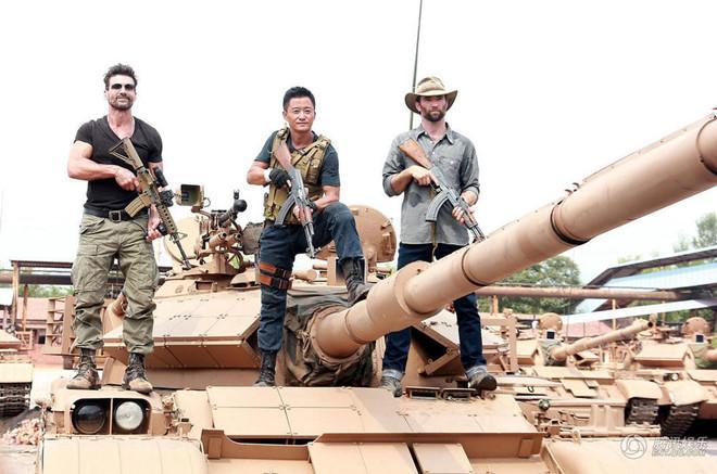 Ngô Kinh: Kẻ điên dám phát nổ xe tăng khiến cả Cbiz ngả mũ-4