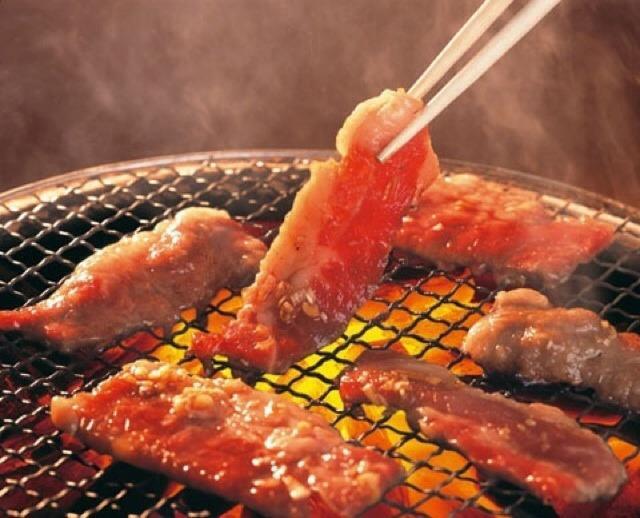 Không phải đặt thịt lên phía trên than để nướng là đúng đâu, vị trí đúng nhất chính là đây-1
