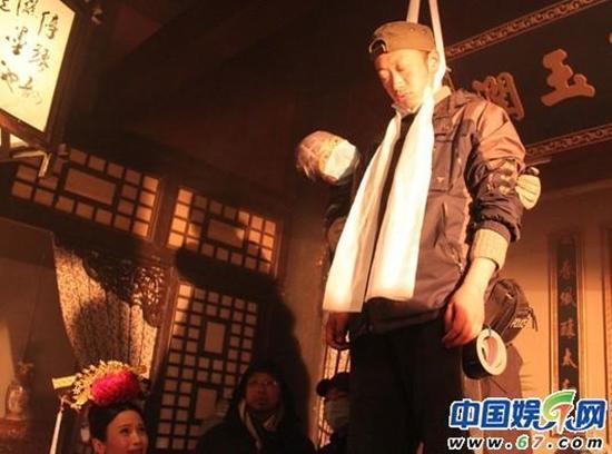 Hậu trường hài hước hé lộ 'bậc thầy' diễn sâu trong phim Hoa ngữ-2