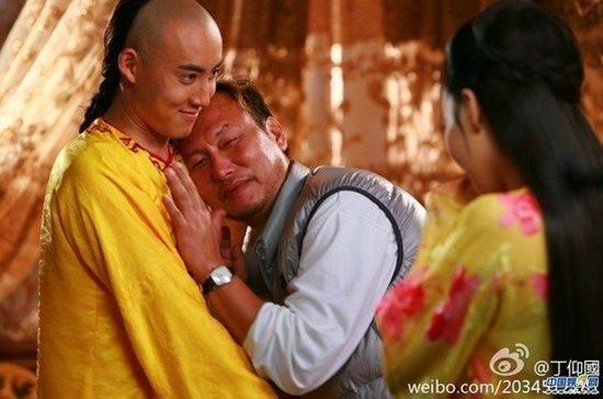 Hậu trường hài hước hé lộ 'bậc thầy' diễn sâu trong phim Hoa ngữ-1
