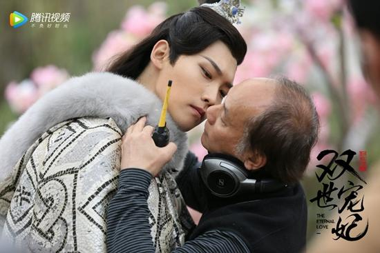 Hậu trường hài hước hé lộ 'bậc thầy' diễn sâu trong phim Hoa ngữ-14