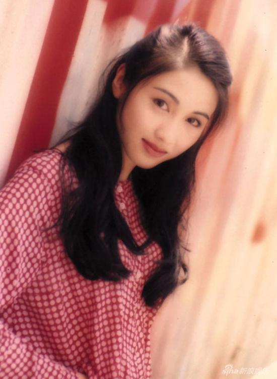 Mỹ nhân Hong Kong thập niên 90: Chẳng cần phẫu thuật thẩm mỹ vẫn đẹp đến nao lòng-1