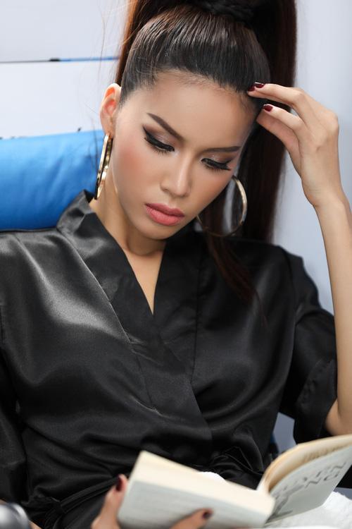 Lý Quí Khánh diện áo khoác 250 triệu đến 'dằn mặt' các người đẹp-5