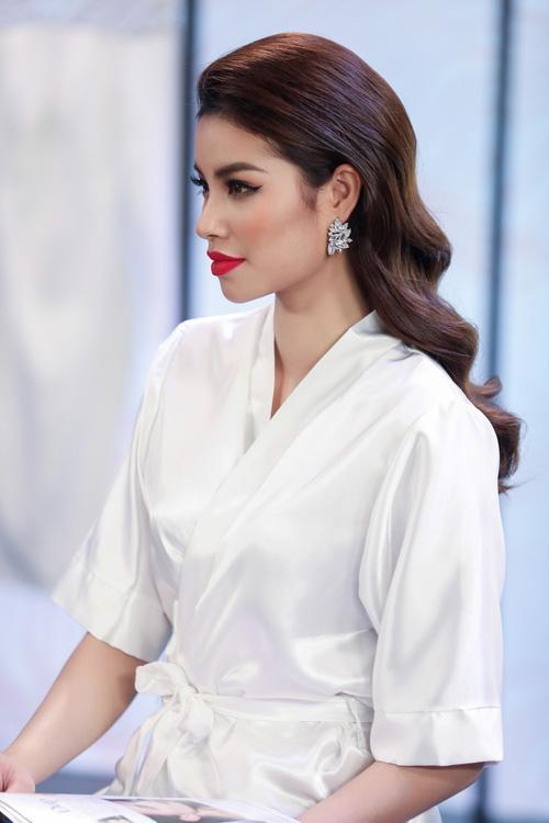 Lý Quí Khánh diện áo khoác 250 triệu đến 'dằn mặt' các người đẹp-7
