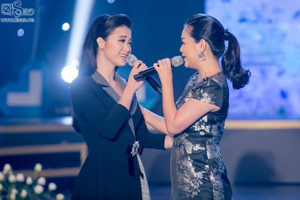 Đông Nhi, Phạm Quỳnh Anh khóc ròng khi được hát lại ca khúc của cố ca sĩ Wanbi Tuấn Anh-2