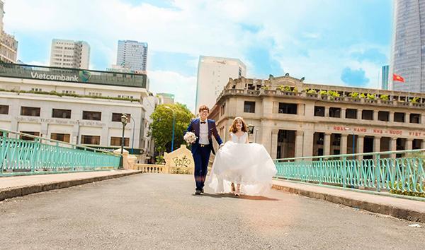 Cô dâu xinh đẹp và chú rể lãng tử nhìn tưởng 'Bích Phương - Bùi Anh Tuấn' khiến dân mạng xôn xao-7