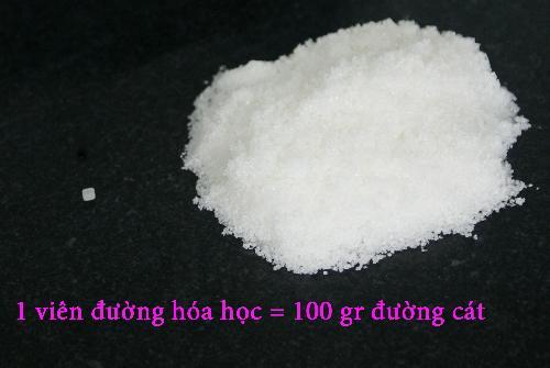 Nước mía siêu rẻ 15.000 đồng/lít, mỗi chiếc máy ép đều chế phễu đựng đường hóa học và nước lã-1