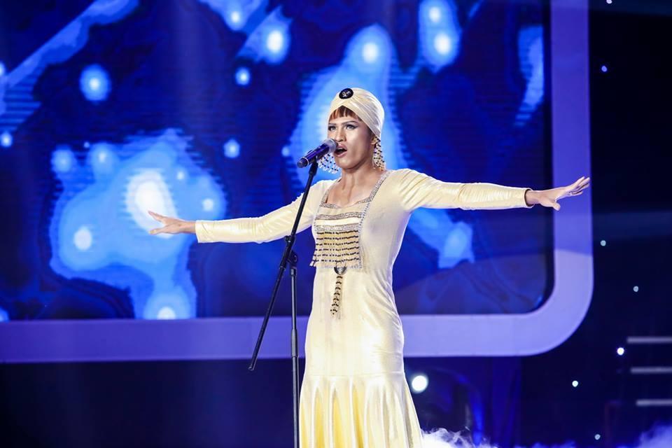 Quốc Thiên giả gái khiến phiên bản gốc Whitney Houston cũng 'khóc thét'-8