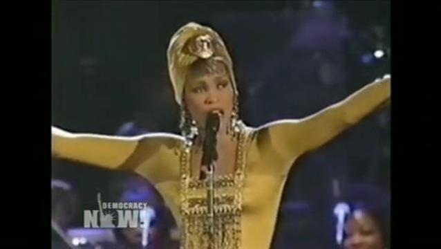 Quốc Thiên giả gái khiến phiên bản gốc Whitney Houston cũng 'khóc thét'-3