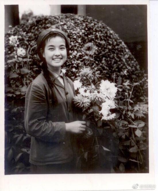 Loạt ảnh năm 14 tuổi chưa từng tiết lộ của 'Võ Tắc Thiên' Lưu Hiểu Khánh-2