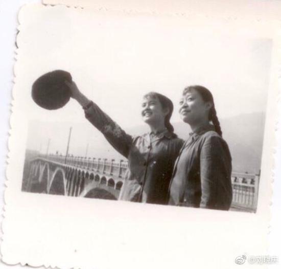 Loạt ảnh năm 14 tuổi chưa từng tiết lộ của 'Võ Tắc Thiên' Lưu Hiểu Khánh-4