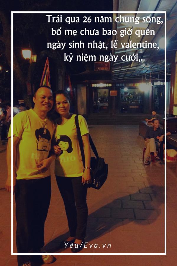 Cặp đôi 'bố mẹ tao' cứ ra đường là mặc đồ đôi, 26 năm vẫn lãng mạn, 'xì tin' hết phần giới trẻ-1