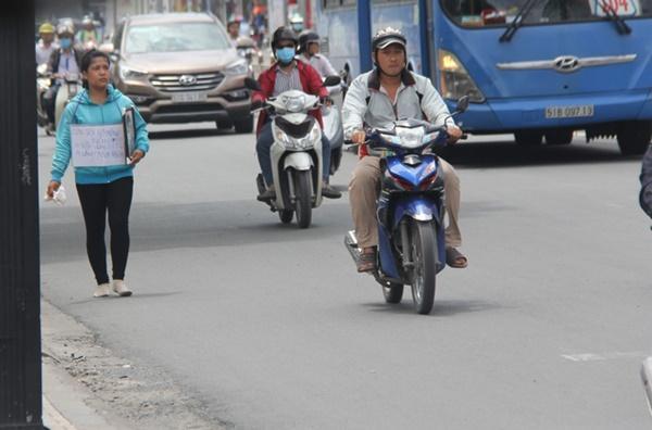 Vụ bé gái 13 tuổi Cà Mau tự tử nghi xâm hại: Mẹ ôm di ảnh con, uất ức cầu cứu VKS tối cao-1