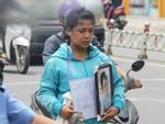 Vụ bé gái 13 tuổi Cà Mau tự tử nghi xâm hại: Mẹ ôm di ảnh con, uất ức cầu cứu VKS tối cao