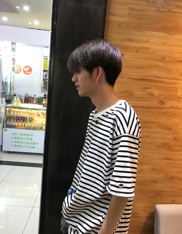 Sở hữu ngoại hình điển trai như idol, nam nhân viên tiệm làm tóc bất ngờ nổi tiếng trên MXH-8