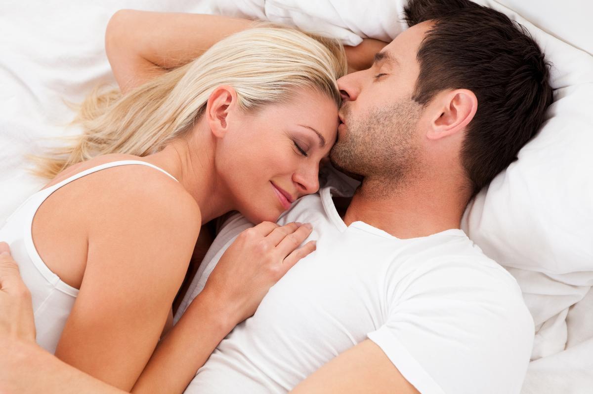 Những dấu hiệu chàng chỉ chăm chăm muốn đưa bạn 'lên giường'-9