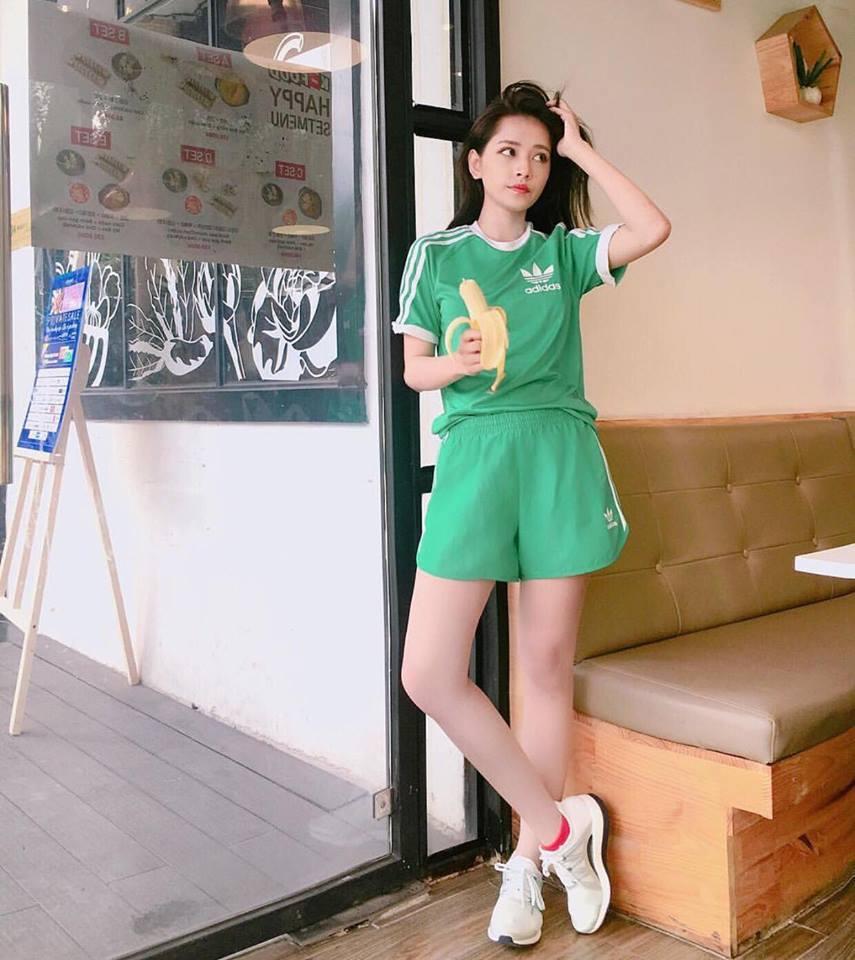 Street style sao Việt: Chán nổi loạn, Angela Phương Trinh chuyển hướng nữ tính không ngờ-6