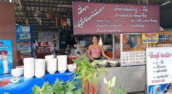 Hàng hủ tiếu Thái khách đến nườm nượp vì vừa ngon miệng lại vừa 'ngon mắt'-1