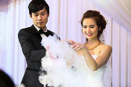 Chân dung đại gia biến hot girl Việt thành 'phượng hoàng' sau kết hôn-6