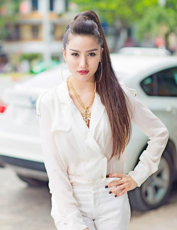 Chân dung đại gia biến hot girl Việt thành 'phượng hoàng' sau kết hôn-10