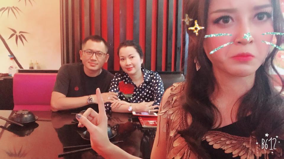 Tin sao Việt 2/8: Lê Phương hào hứng khoe quà cưới sớm từ 'người tình màn ảnh'-3