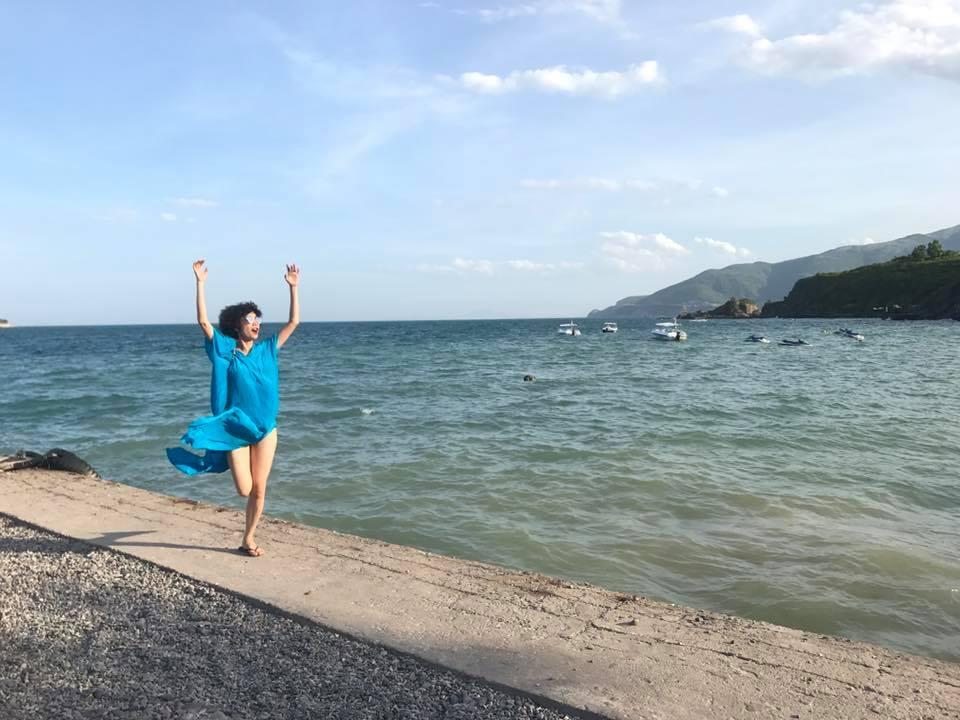 Tin sao Việt 2/8: Lê Phương hào hứng khoe quà cưới sớm từ 'người tình màn ảnh'-11
