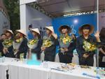 Nhóm nhạc Hàn Quốc bị tấn công khi đang biểu diễn