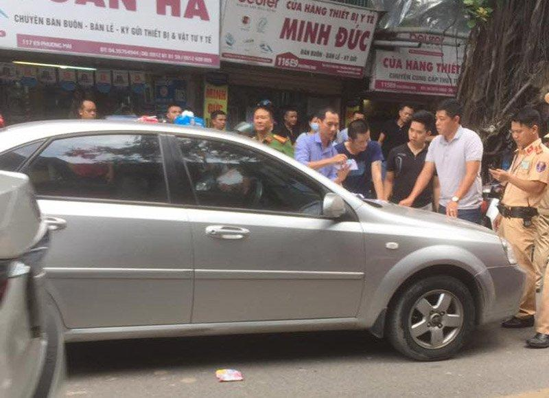 Hà Nội: Vây đánh tài xế gây tai nạn bỏ chạy-1