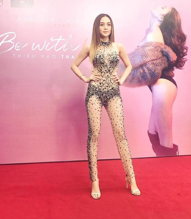 Thiều Bảo Trang diện đồ diễn 'bỏng mắt' chẳng kém gì bộ cánh tai tiếng của Angela Phương Trinh-2
