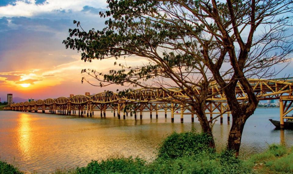 Dấu ấn Việt Nam trên những nhịp cầu nối đôi bờ-3