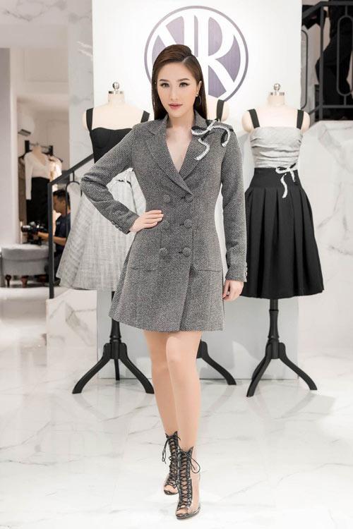 Hồ Ngọc Hà gợi cảm sánh vai Kim Lý sáng nhất thảm đỏ showbiz Việt tuần này-12