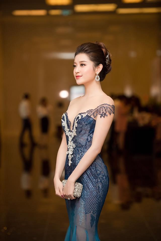 Hồ Ngọc Hà gợi cảm sánh vai Kim Lý sáng nhất thảm đỏ showbiz Việt tuần này-9