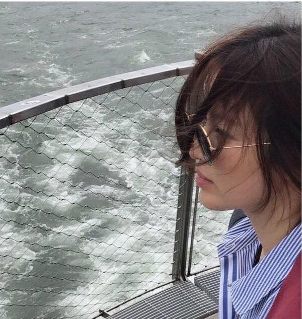 Sao Hàn 3/8: Song Hye Kyo khoe ảnh tóc ngắn mới toanh-1