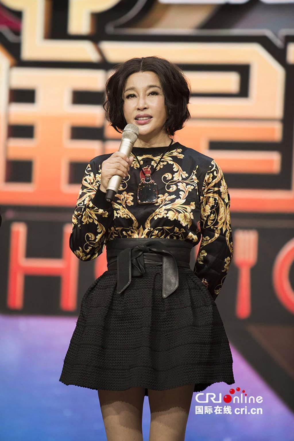 Võ Tắc Thiên - Lưu Hiểu Khánh bị biến dạng mặt vì thẩm mỹ ở tuổi 62-4
