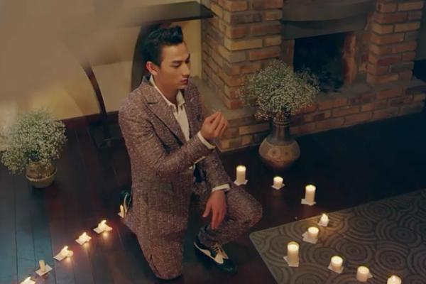 Đẹp trai có thừa, Isaac vẫn thất bại khi cầu hôn người tình trong MV mới-9