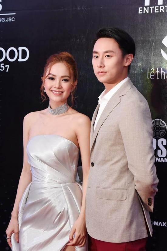 Minh Hằng và người hâm mộ cùng hòa giọng hát 'Ngôi sao cô đơn'-1