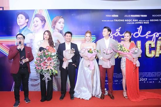 Minh Hằng và người hâm mộ cùng hòa giọng hát 'Ngôi sao cô đơn'-4