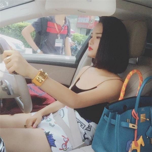 Lộ diện chân dung bạn trai giàu có biến Miu Lê thành 'yêu nữ hàng hiệu' của showbiz-2