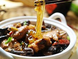 Miến thịt gà om nấm, bữa ăn sáng 'sang chảnh' cũng thèm
