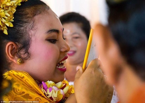 Kỳ lạ: Tục lệ mài răng thiếu niên để xua đuổi tà ma-4
