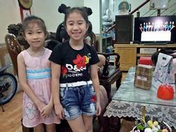 Dàn đồng ca nhí hát hit 'Lạc trôi' trong bữa tiệc sinh nhật cô bé lớp 4 thu hút sự chú ý