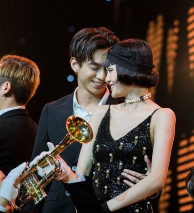 Chiêu trò trong showbiz Việt và cái giá nghệ sĩ phải trả-3