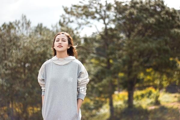 Phan Ngân The Face tung clip cover hoành tráng 'Cô gái đến từ hôm qua'-2