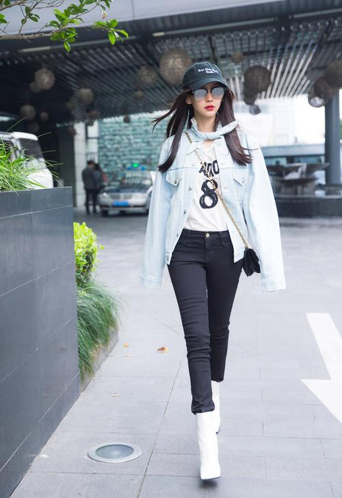 Chỉ trong 3 tháng, Angela Baby đã có bộ sưu tập túi Dior trị giá cả tỷ đồng khiến ai cũng ghen tỵ-1