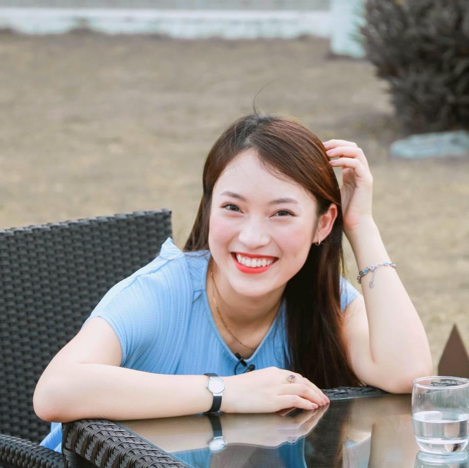 Hot girl nói 7 thứ tiếng Khánh Vy khoe ảnh xinh đẹp, tiết lộ đam mê làm người mẫu từ thuở ô mai-2