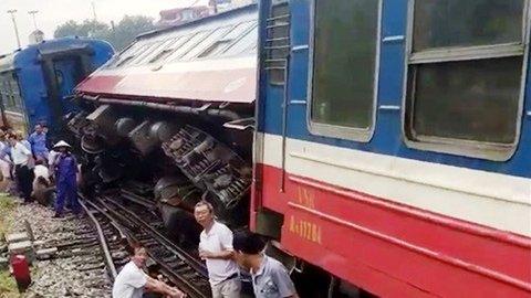 Hà Nội: Lại thêm tàu hỏa trật bánh, vẫn ở ga Yên Viên-2