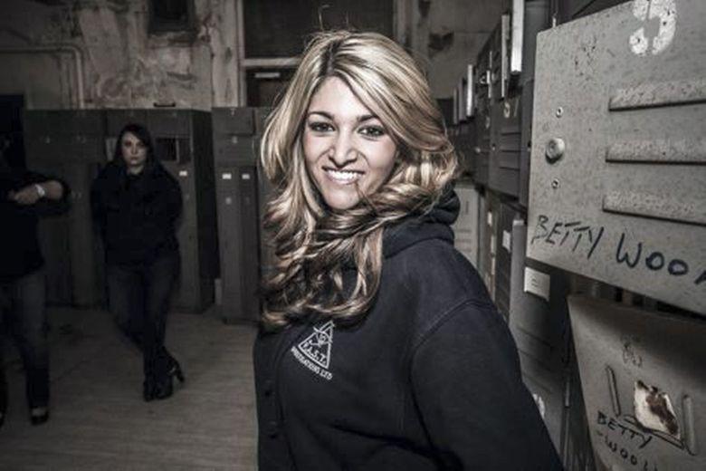 Nghe thợ 'săn ma' kể chuyện nghề: 'Ma nữ' kêu oan trong quán rượu ở Anh-4