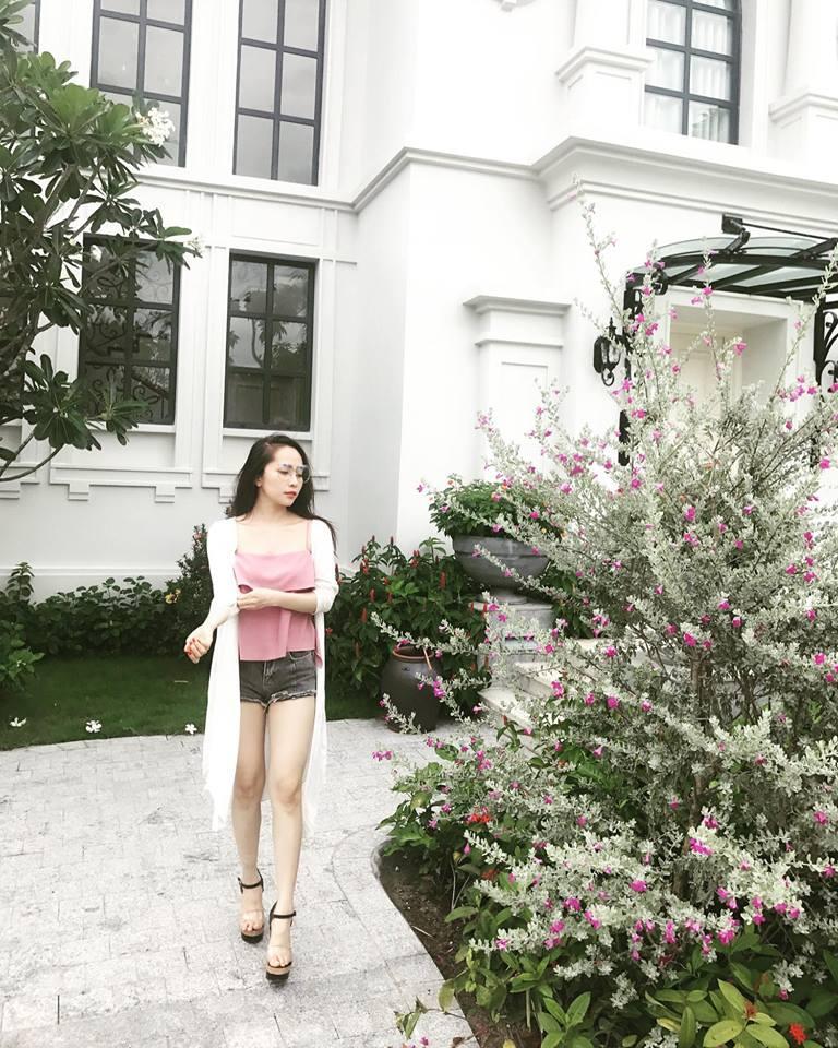 Tin sao Việt 7/8: Thu Trang chụp hình 'bá đạo' - Tăng Thanh Hà hóa thôn nữ-10