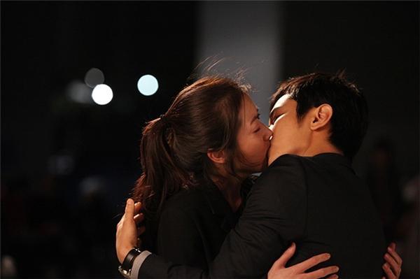 Anh ấy sẽ không bao giờ quên được nếu bạn hôn theo 3 cách này-3