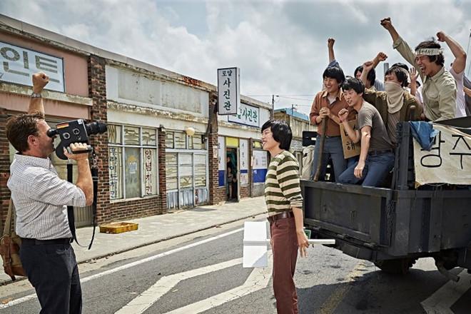 Phim về vụ thảm sát Gwangju gây bão tại phòng vé Hàn Quốc-2